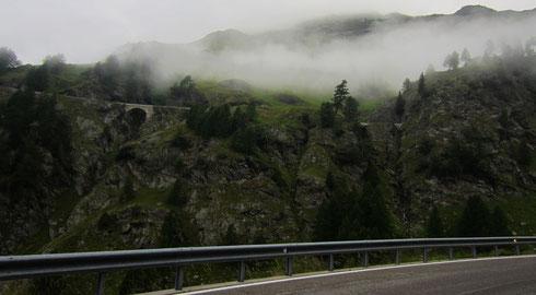 Timmelsjoch (Passo Rombo; A/I) im Herbst –  im unteren Bereich der Südostflanke (I, 2014)