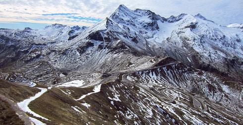 Im Spätsommer auf der Edelweißspitze der als Fremdenverkehrsattraktion angelegten Großglockner-Hochalpenstraße