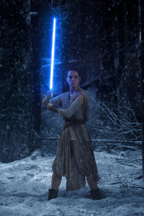 Star Wars 7 Blu-ray - Daisy Ridley as Rey - Lucasfilm - kulturmaterial