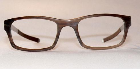 Büffelhornbrille mit Federstahlbügel