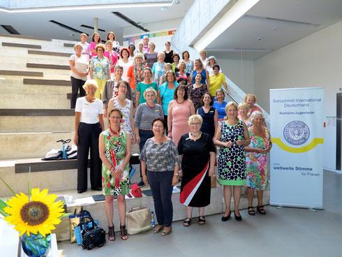 Gute Stimmung beim Bezirkstreffen in Seeheim-Jugenheim zum  Thema Kommunikation 2.0. Foto: Elke Hormes