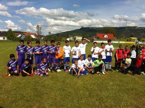 Die E-Junioren des SV Spaichingen (2. Platz), des SC 04 Tuttlingen (1. Platz) und des SSC Donaueschingen (3. Platz)