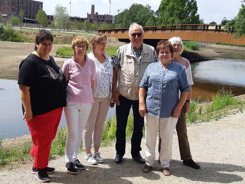 Vorstand des Chores (v.l.: Sandra Liemanns, Irmgard Droste, Margret Warich, Engelbert Bikowski, Renate Hansen, Mechthild Werner-Weinekötter)
