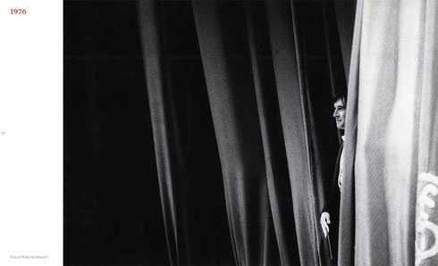 At 'La Scala Theatre', Milan, 1976 © courtesy Contrasto/Roberto Masotti