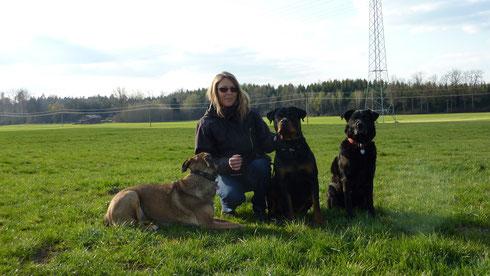 vlnr: Luca, Karin, Alina und Bessie