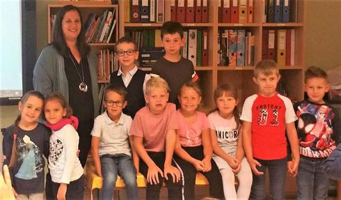 1. Schulstufe mit Kl.Lehrerin Angelika Hallwachs am 2.9.2019