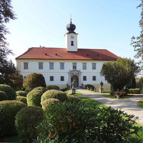 Schloss Altenhof von außen