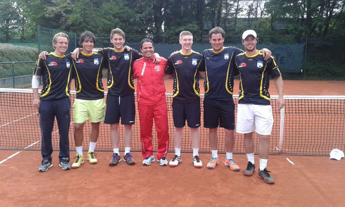v.l. Sjors v. d, Velden, Patrick Elias, Jan Niklas Kühling, Coach Luis Elias, Pascal Müller, Dirk Groth, Tim v. Terheijden