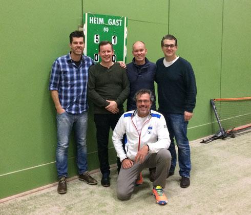 v.l. Achim Hoss, Harald Schulze, Christoph Eßmann, Eckard Heming, kniend Gert Vigener