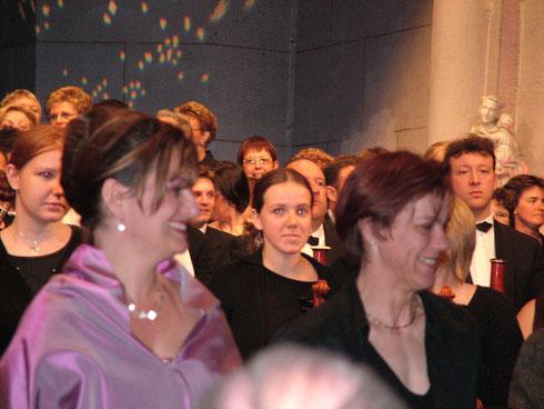 Isabelle Debaere, soprano solo (à gauche)