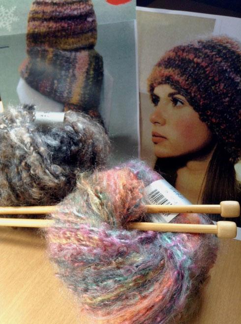 今年は帽子とマフラーを編みます