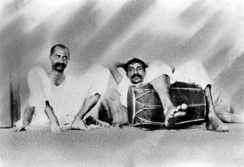 1920 : Gustadji & Baba at Kasba Peth, Poona, India