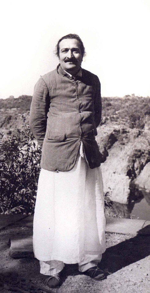 LP : February 18th, 1939 - Meher Baba at Taragarh Hill