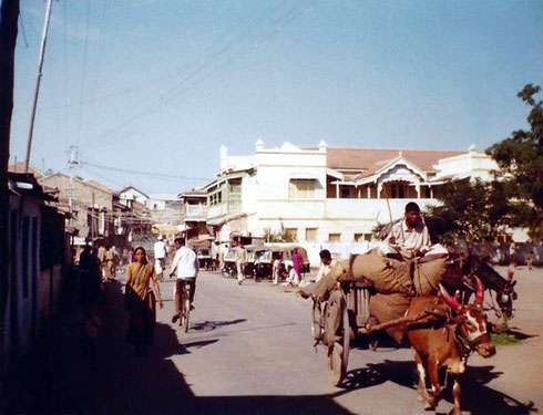 The street leading into the Nagar Bazaar-Photo taken in front of the Dawlat Lodge Jan1975