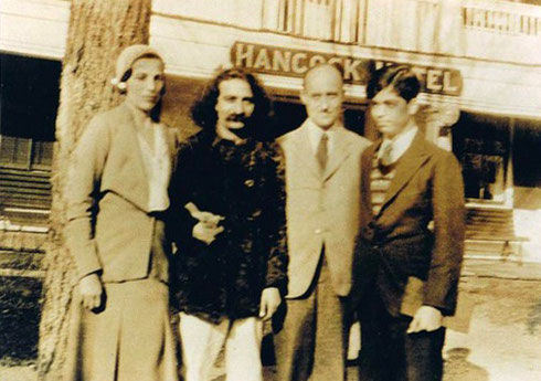 (L-R) Cath, Meher Baba, Meredith Starr and Agha Ali outside the Hancock Hotel, Hancock, New Hamphsire,USA
