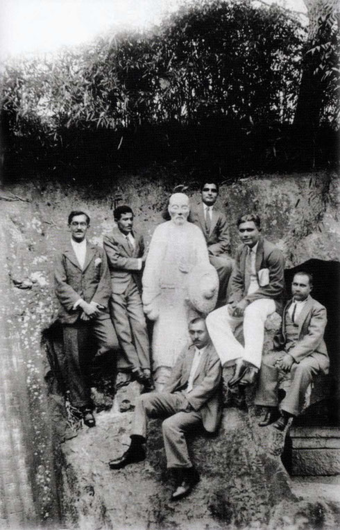 1932, China : Gustadji is seated on the far right at the Statue of Confusius.