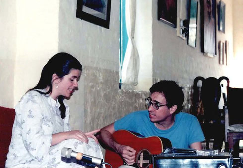 Jane with her late husband Bob Brown in Mandali Hall, Meherazad, India