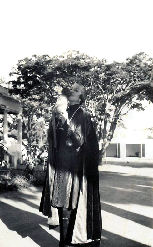"1937 : Norina in India with ""Lucky"" the monkey. Photo courtesy of Charles Haynes"