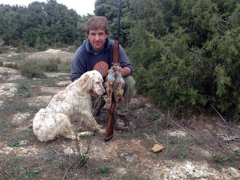 """Un amigo de la Txantrea con su perra """"SENA DE BERQUIR"""", un ejemplar sobresaliente en la caza de la perdiz salvaje"""