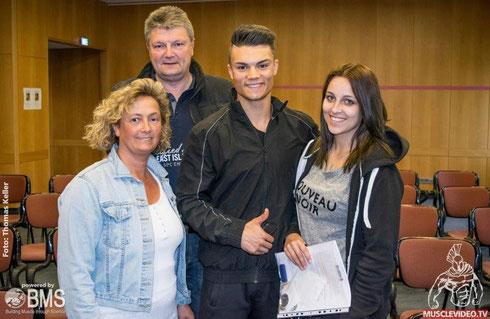 Teenage-Athlet Lukas Bürtin und Familie