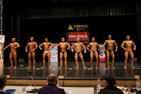 Line-up der Klassensieger (v. l. n. r.): Chris Noack, Meeko Mikolaschek, Eduardo Carillo, Yordan Rangelov, Sergej Löwen, Rüdiger Lang, Samy Chalvatsis, Maximilian Schulze