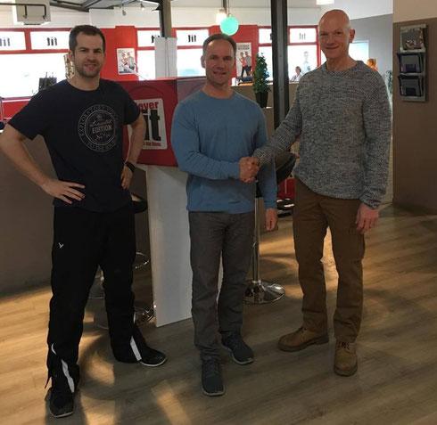 Foto vom 03.02.2016 v.l.n.r: Ulrich Düring (Studioleiter Clever Fit Lübeck), Berend Breitenstein und Georg Troll
