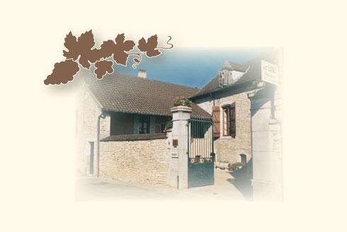 Entrée du domaine Dubuet-Monthelie vins fins de Bourgogne
