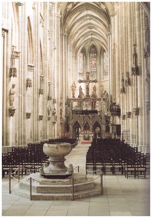 Dom Halberstadt Innenraum nach Osten