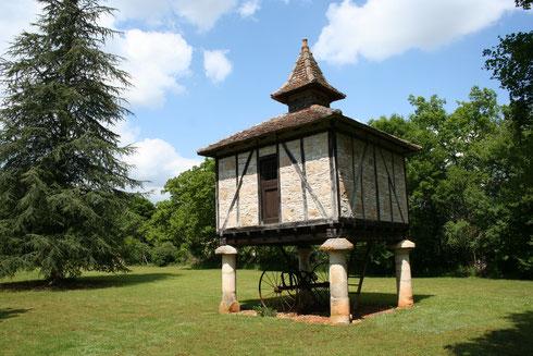 le pigeonnier du mas d'aspech dans le lot France midi-Pyrénées