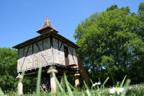 Le gite du Pigeonnier est un gite insolite et atypique proche de Toulouse  pour moment à deux , week-end en amoureux
