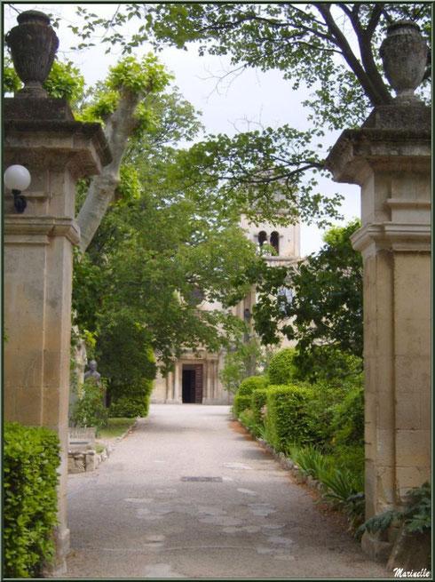 Le monastère de Saint Paul de Mausole à Saint Rémy de Provence (Alpilles - 13) : l'entrée