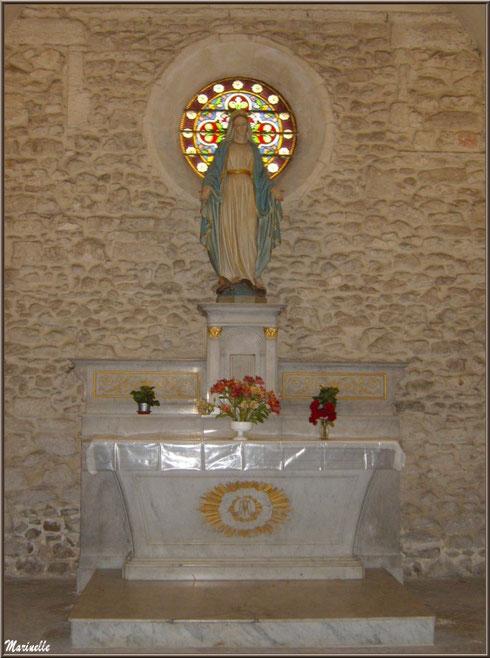 L'autel de la Vierge dans la chapelle du monastère de Saint Paul de Mausole à Saint Rémy de Provence (Alpilles - 13)