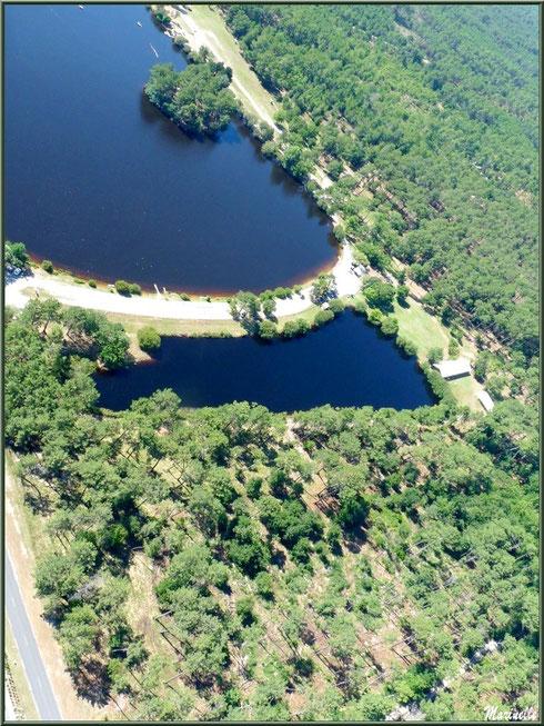Le Lac de la Magdeleine à Gujan-Mestras vu du ciel (Bassin d'Arcachon), en amorçant un virage