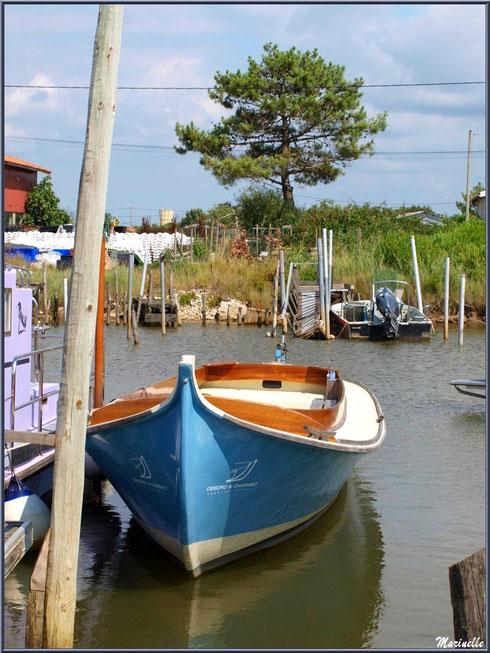 Pétroleuse à quai, Chantier Naval Debord et Charmet, Port de Meyran à Gujan-Mestras, Bassin d'Arcachon (33)