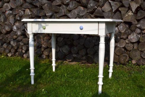 weisser Tisch in Chalk Paint™