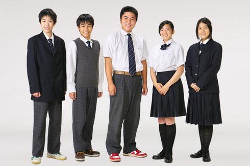和泉総合高校の全制服