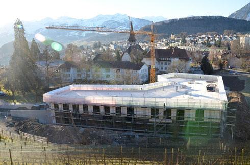 24. Feb. 2014 – Die Fronten sind montiert, der Innenausbau ist in vollem Gang