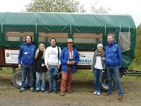 Das Studenten-Team mit Heinz Strunk auf der Schmidtenhöhe