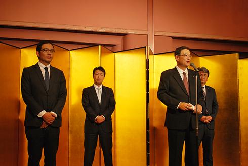 加藤・新堀両県会議員および新人の青木市会議員候補の紹介