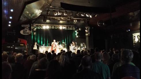 Alte Piesel feiert mit BBC ROCK