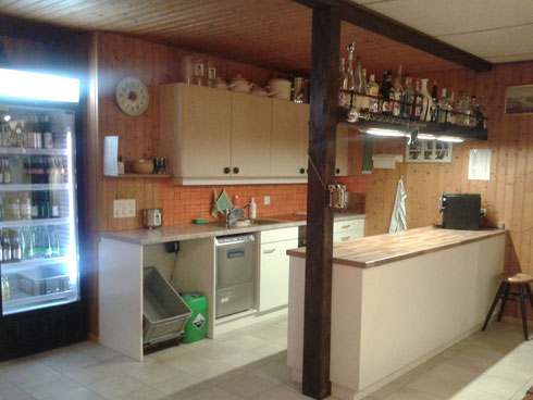 Küche Cliquenkeller Pfluderi Alti Garde Platz 30 Personen Untermiete Übungslokal Tambouren oder Pfeifergruppen
