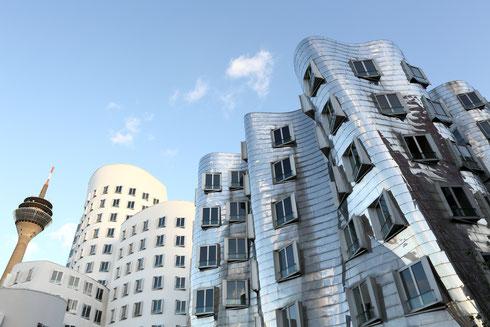 Medienhafen Gehry-Bauten Rheinturm
