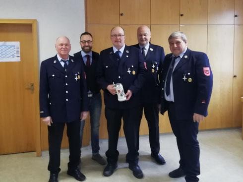 Foto: FF Trübenbach - Kdt Helmut Geßlein, Bürgermeister Markus Mönch, Siegfried Wendel, KBM Jochen Mann, Vorsitzender Hans-Georg Frank