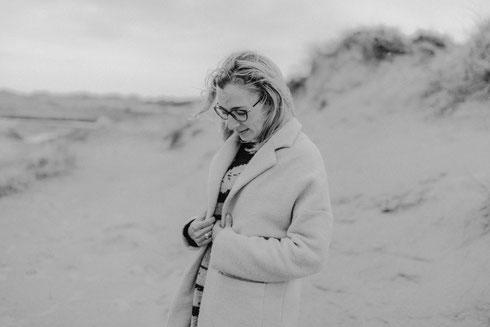 Familienfotograf Sabrina Stachitz. Ich fotografiere Familien in Hamburg und an Nordsee und Ostsee sowie Schwangere, Neugeborene und Kinder.
