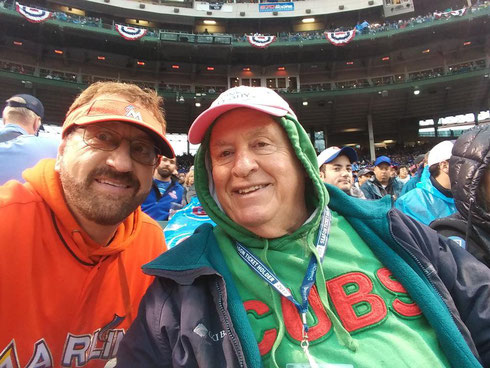Nella foto Marlins man (sx) e Cubs # 1 Fan The Pink Hat (dx)