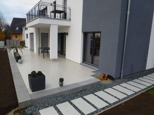 Terrasse & Gartenweg