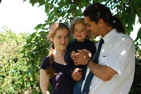 André Stern, his wife Pauline and their son Antonin - by Isabelle Latournerie © 2012.