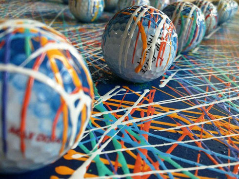 diciotto buche_1 - 2011 smalti al nitro e palle da golf su legno 60x60x6