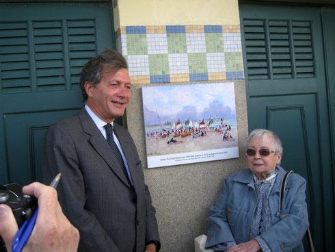 2009_Deauville_Plaque Trouville Les Planches_©Association des Amis d'André Hambourg