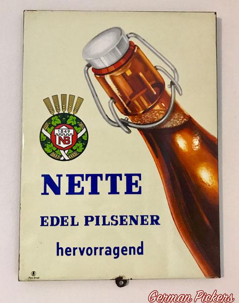 Nette Edel Pils ( Bräu ) - Emailschild  Koblenz / Neuwied - Deutschland um 1940/1950  28 x 38 cm, Pyro Email